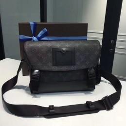 Replica Louis Vuitton Messenger PM Voyager
