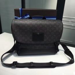 Replica Louis Vuitton Messenger MM Voyager