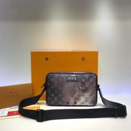 Replica Louis Vuitton Alpha Messenger