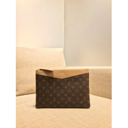 Replica Louis Vuitton Daily Pouch