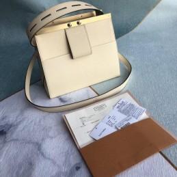 Replica Louis Vuitton City Frame